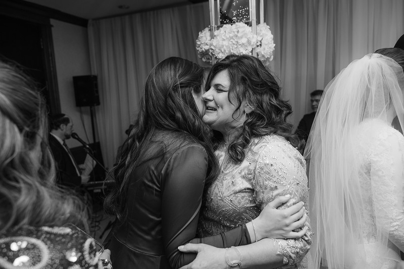 Miri_Chayim_Wedding_BW-607.jpg