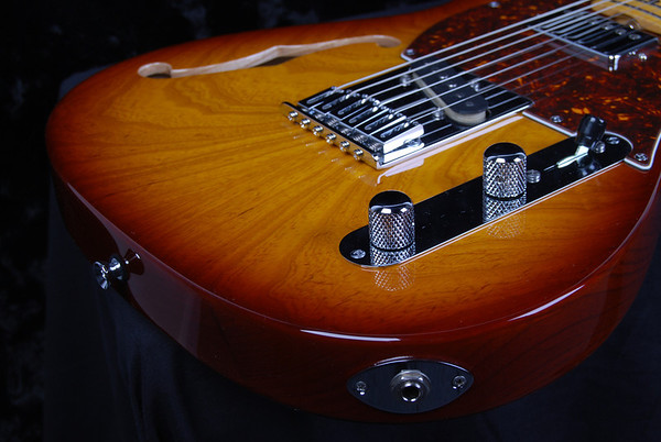 Retro Classic Hollow T, Trans Tobacco Burst, TH Pickups