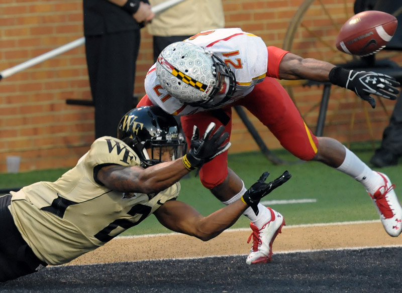 Chris Givens incomplete pass end zone.jpg