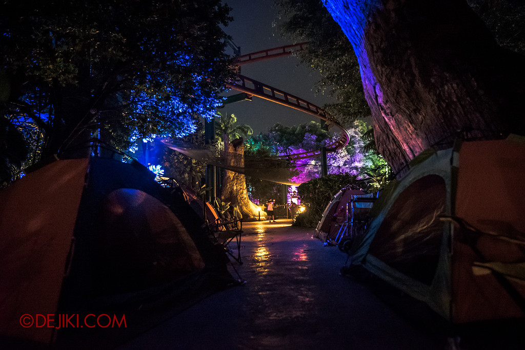 Halloween Horror Nights 7 MasterCard Priceless Experience - Campsite tents far