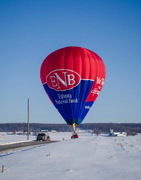 snow - hot air balloon in road(p).jpg