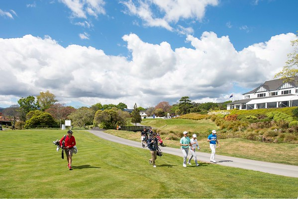 View to the 1st tee on Practice Day 1 of the Asia-Pacific Amateur Championship tournament 2017 held at Royal Wellington Golf Club, in Heretaunga, Upper Hutt, New Zealand from 26 - 29 October 2017. Copyright: Simon Woolf  2017.   www.woolf.co.nz
