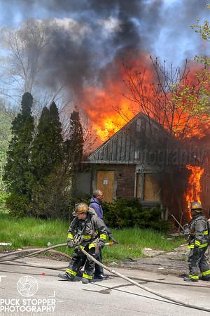 Vacant Dwelling Fire - 14801 Hazelridge St, Detroit, MI - 5/14/19