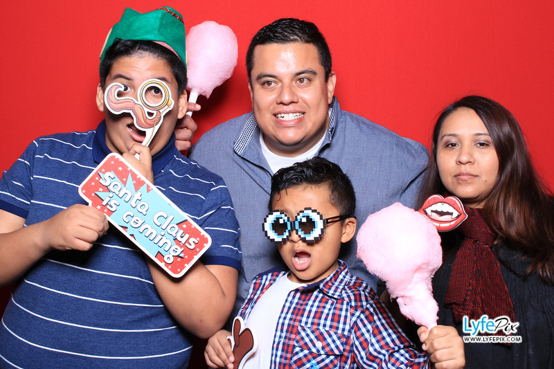 eastern-2018-holiday-party-sterling-virginia-photo-booth-0014.jpg