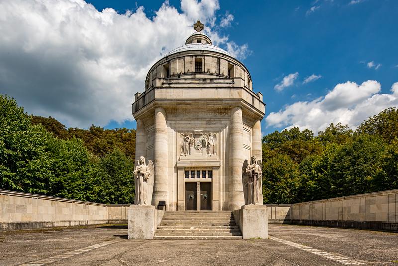 Krasnohorske podhradie mauzoleum-6.jpg