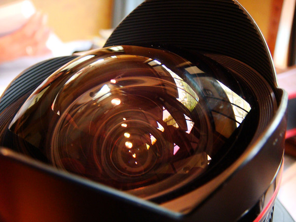Canon 14mm f2.8L Ultra Wide Angle Rectilinear lens SN 166781 (mounted onto Canon 1Dmk2N)