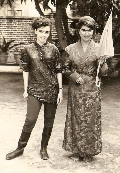 Gelinha Clemente, e Milu, videira