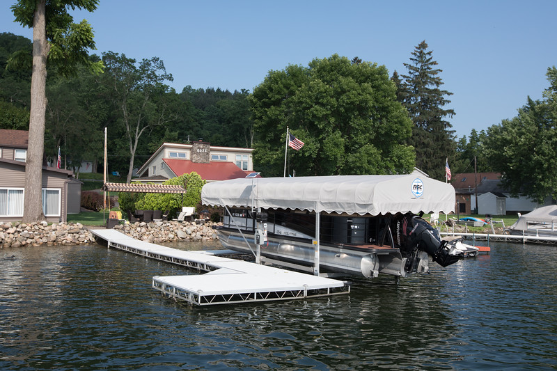 Boat1022.jpg