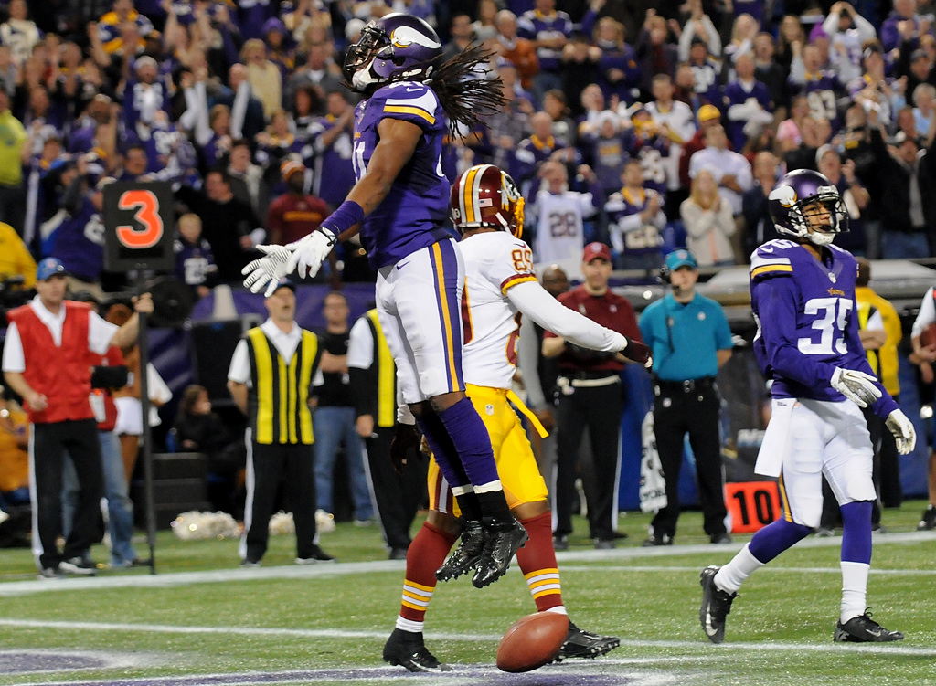 . Minnesota Vikings strong safety Mistral Raymond celebrates an incomplete pass to Washington wide receiver Santana Moss during the final minutes of the game. (Pioneer Press: Sherri LaRose-Chiglo)