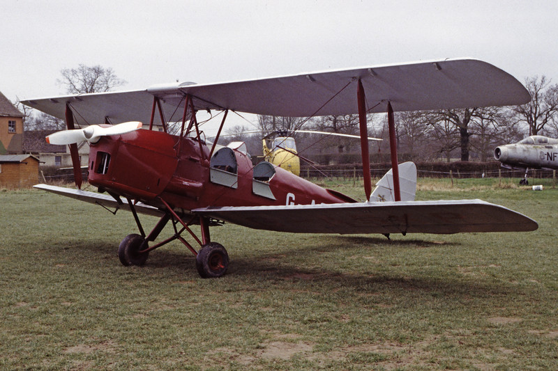 G-ASKP-DH-82ATigerMoth-Private-EGKH-1998-02-19-EI-31-KBVPCollection.jpg