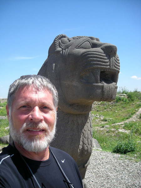 moi and the guardian lion at Ain Dara
