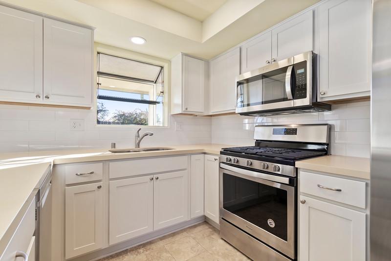 3280 Firtree 9 Kitchen.jpg