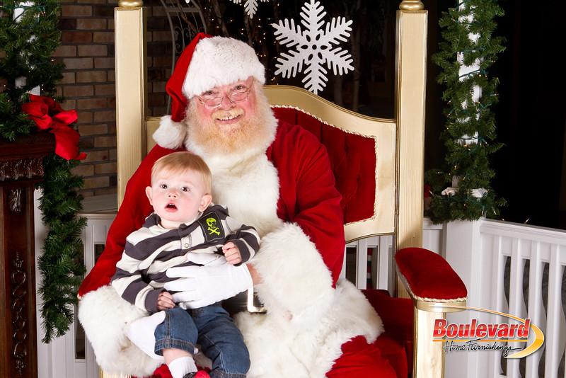 Santa Dec 8-195.jpg