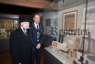 Newry, Mourne and Down Chairperson MIckey Ruane is pictured with Greg McAteer at the launch of history Courses at Newry and Mourne Museum for 2016. From 22nd-26th February there will be The Commemoration of Centenaries history course and from 7th-11th March there will be an accredited OCN level 2 course From Home Rule to Partition in Ireland 1186-1922. R1606003