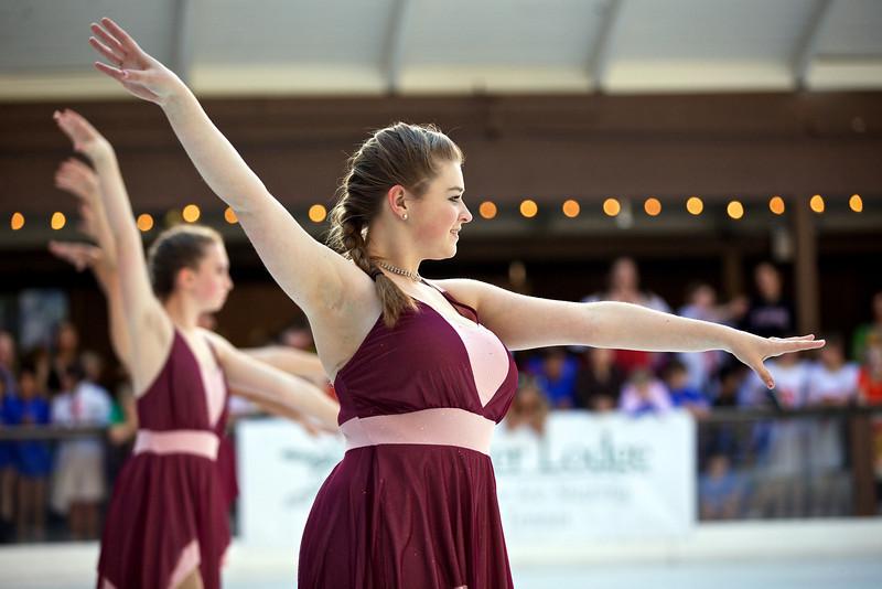 Skating  10052.jpg