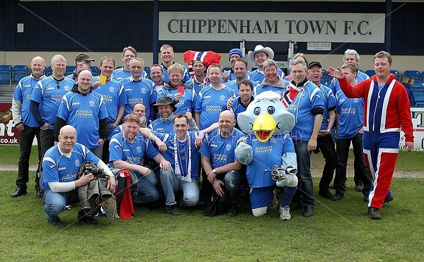 CHIPPENHAM TOWN V STOURBRIDGE MATCH PICTURES