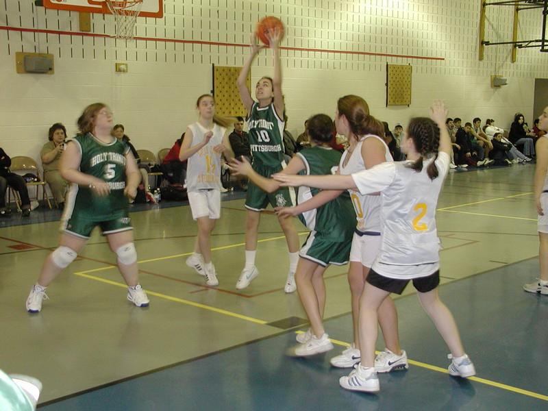 2003-02-21-Holy-Cross-Bball-Tournament_032.jpg