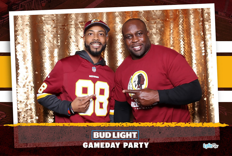 washington-redskins-philadelphia-eagles-football-bud-light-photobooth-20181203-201525.jpg