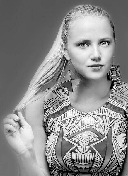 Sara earrings-2.jpg