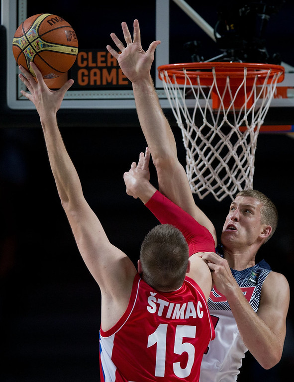 . Mason Plumlee (R) of the USA blocks Vladimir Stimac (L) of Serbia during the 2014 FIBA World Basketball Championship final match between USA and Serbia at Palacio de los Deportes on September 14, 2014 in Madrid, Spain. (Photo by Gonzalo Arroyo Moreno/Getty Images)