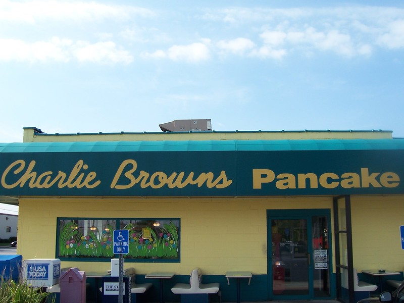 098 Charlie Browns Pancakes.jpg