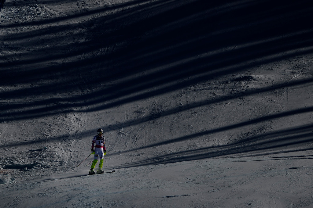 . BEAVER CREEK, CO - FEBRUARY 09: Lindsey Vonn reacts to going down and not finishing her slalom run during the ladies\' alpine combined final. FIS Alpine World Ski Championships 2015 on Monday, February 9, 2015. (Photo by AAron Ontiveroz/The Denver Post)