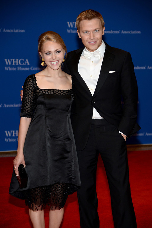 . AnnaSophia Robb and Ronan Farrow attend the 100th Annual White House Correspondents\' Association Dinner at the Washington Hilton on May 3, 2014 in Washington, DC.  (Photo by Dimitrios Kambouris/Getty Images)