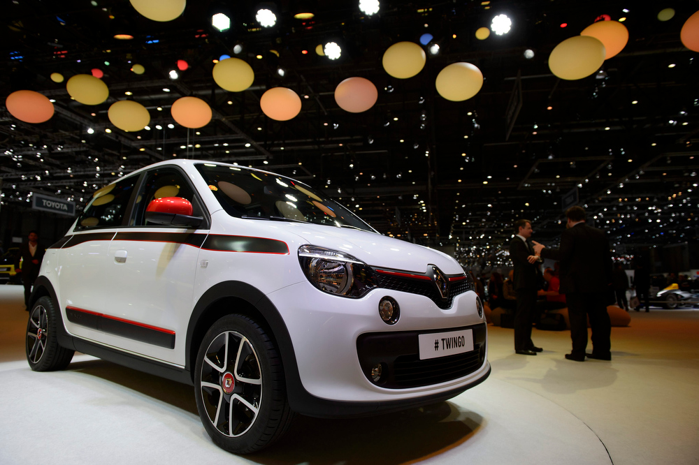 Description of . The new Renault Twingo is shown during the press day at the 84th Geneva International Motor Show in Geneva, Switzerland, 04 March 2014. The Motor Show will open its gates to the public from 06 to 16 March presenting more than 250 exhibitors and more than 146 world and European premieres.  EPA/SANDRO CAMPARDO