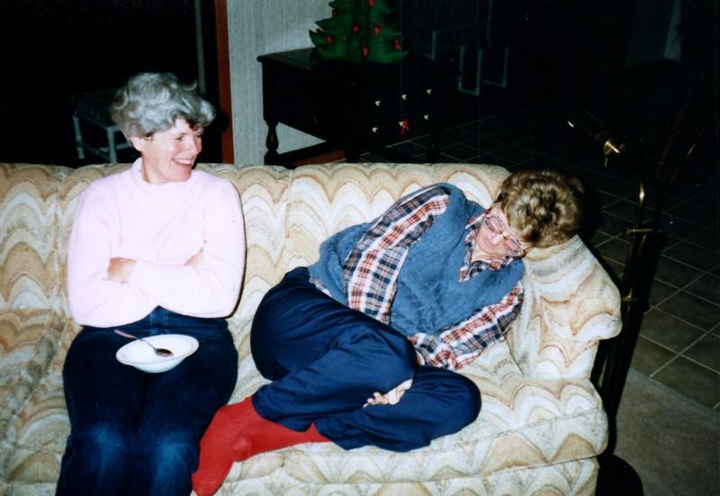 1986_December_Holiday_Visitors_0004_a.jpg