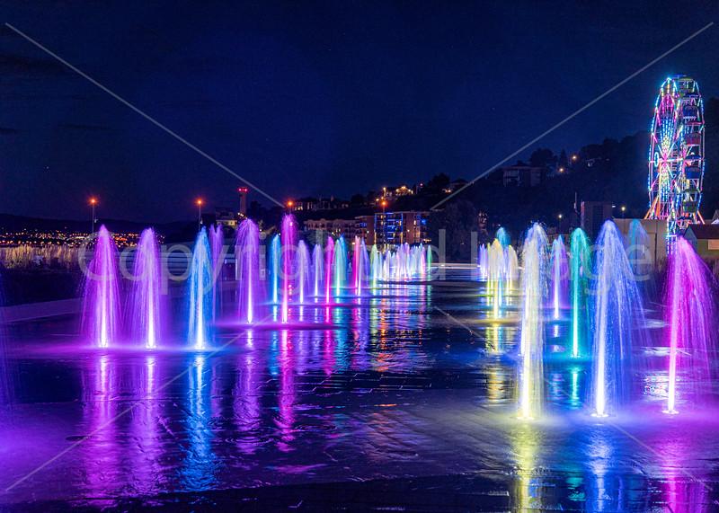 Illuminated fountains