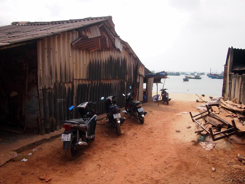 P1307140-fishermans-shack.JPG