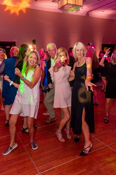 2019_11_Yachtail_Party_00678.jpg