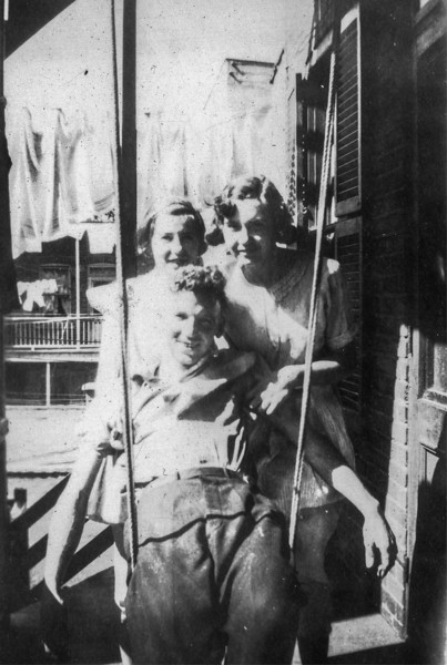 1935_Terry_Kay_Eileen.jpg