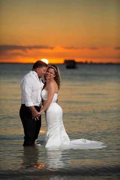 Maria & Luis Wedding Beach Shoot