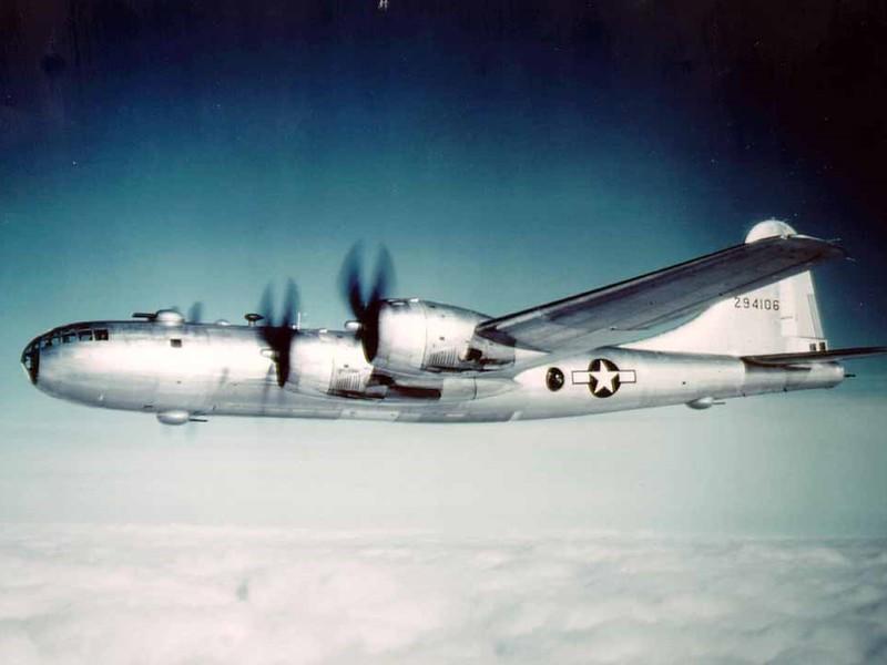 b-29-flying-fortress.jpg