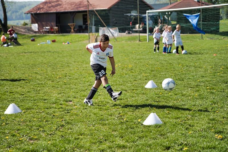 hsv-fussballschule---wochendendcamp-hannm-am-22-und-23042019-w-44_47677905492_o.jpg