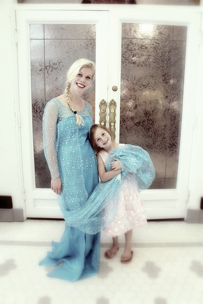 Elsa and the birthday girl have a special bond!!