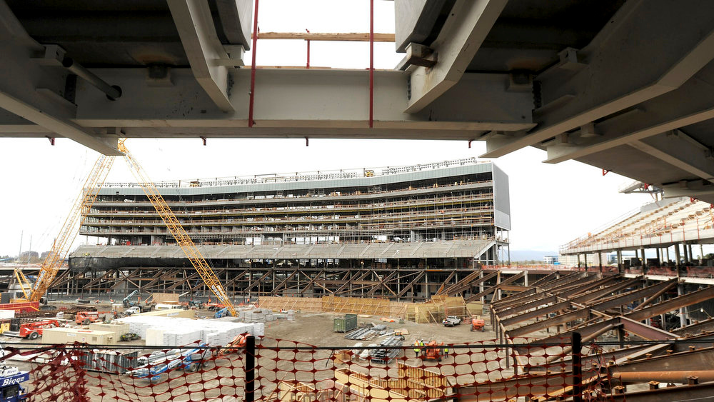 . Construction continues on a luxury suite section at Santa Clara Stadium, the future home of the NFL\'s San Francisco 49\'ers, in Santa Clara, California  March 6, 2013. The stadium is scheduled to open in time for the 2014 NFL season.  REUTERS/Noah Berger
