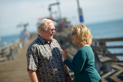 6458_d800b_Michael_and_Rebecca_Capitola_Wharf_Couples_Photography