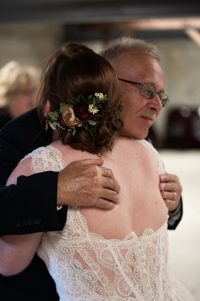 rustic_ohio__fall_barn_wedding-155.jpg