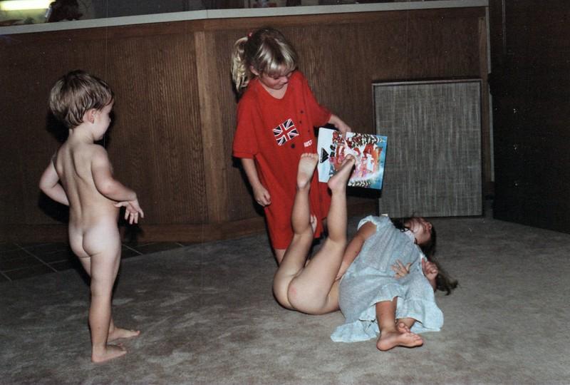 1986_November_Kids_Antics_0025_a.jpg