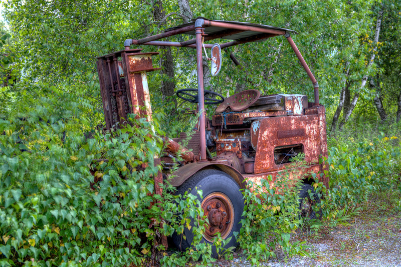Vintage Rusty Fork Lift   Berlin, NY   #747