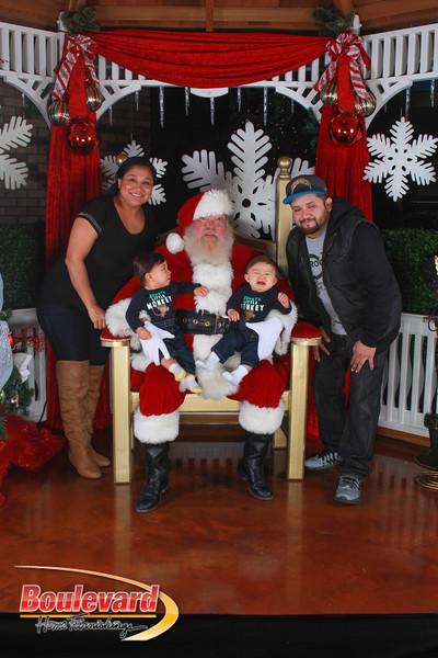 Santa 12-17-16-410.jpg