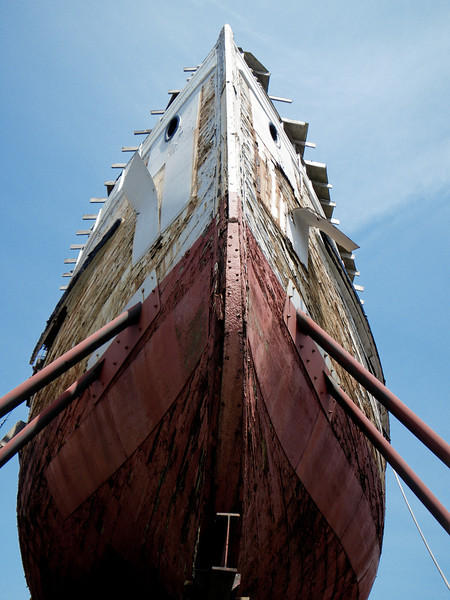 Even then, she was looking untended.  Now, her fate is pretty bleak... no money to restore, and berthing costs are unfunded.  She's condemned: http://www.sfgate.com/bayarea/article/Lumber-schooner-Wapama-last-of-kind-is-condemned-2371267.php