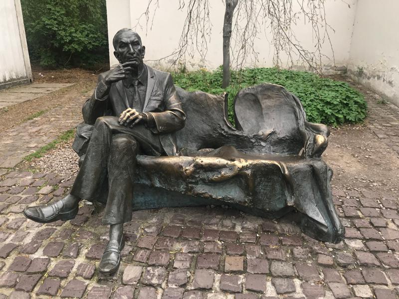jan-karski-monument.jpg