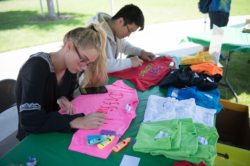 Clothesline-Project-2017-4289.jpg