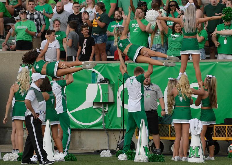 cheerleaders7559.jpg