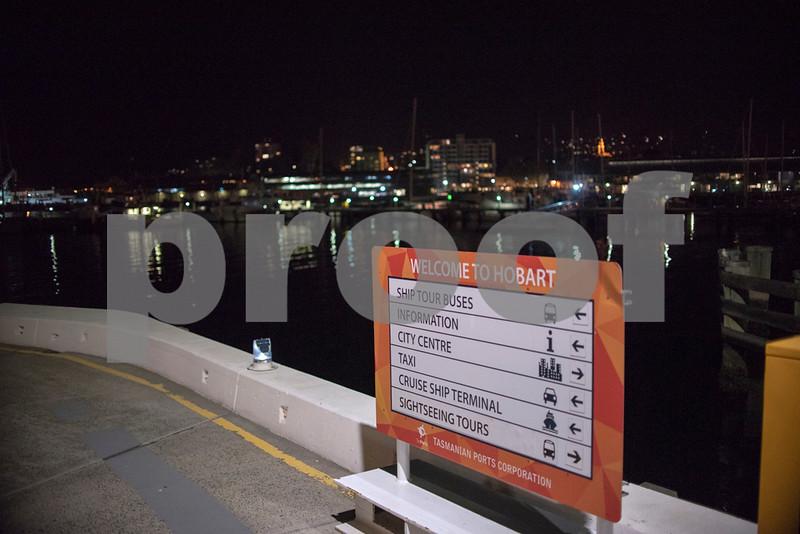 Hobart harbour e.JPG