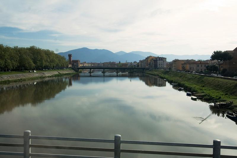 The Arno in Pisa.jpg