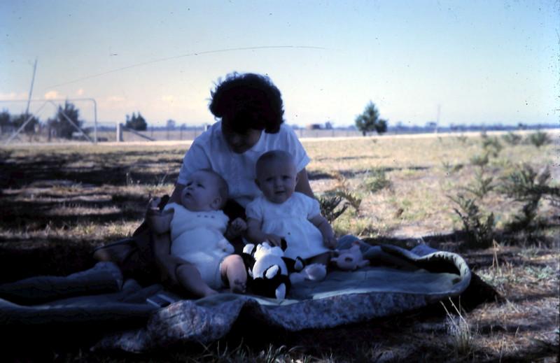 1966-2-6 (17) Susan 6 mths with Caroline Spooner.JPG